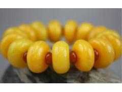 据说90%的鸡油黄蜜蜡都是烤色的,你敢买吗?
