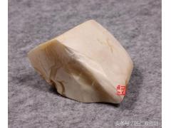 琥珀蜜蜡贵族品种——白蜜蜡